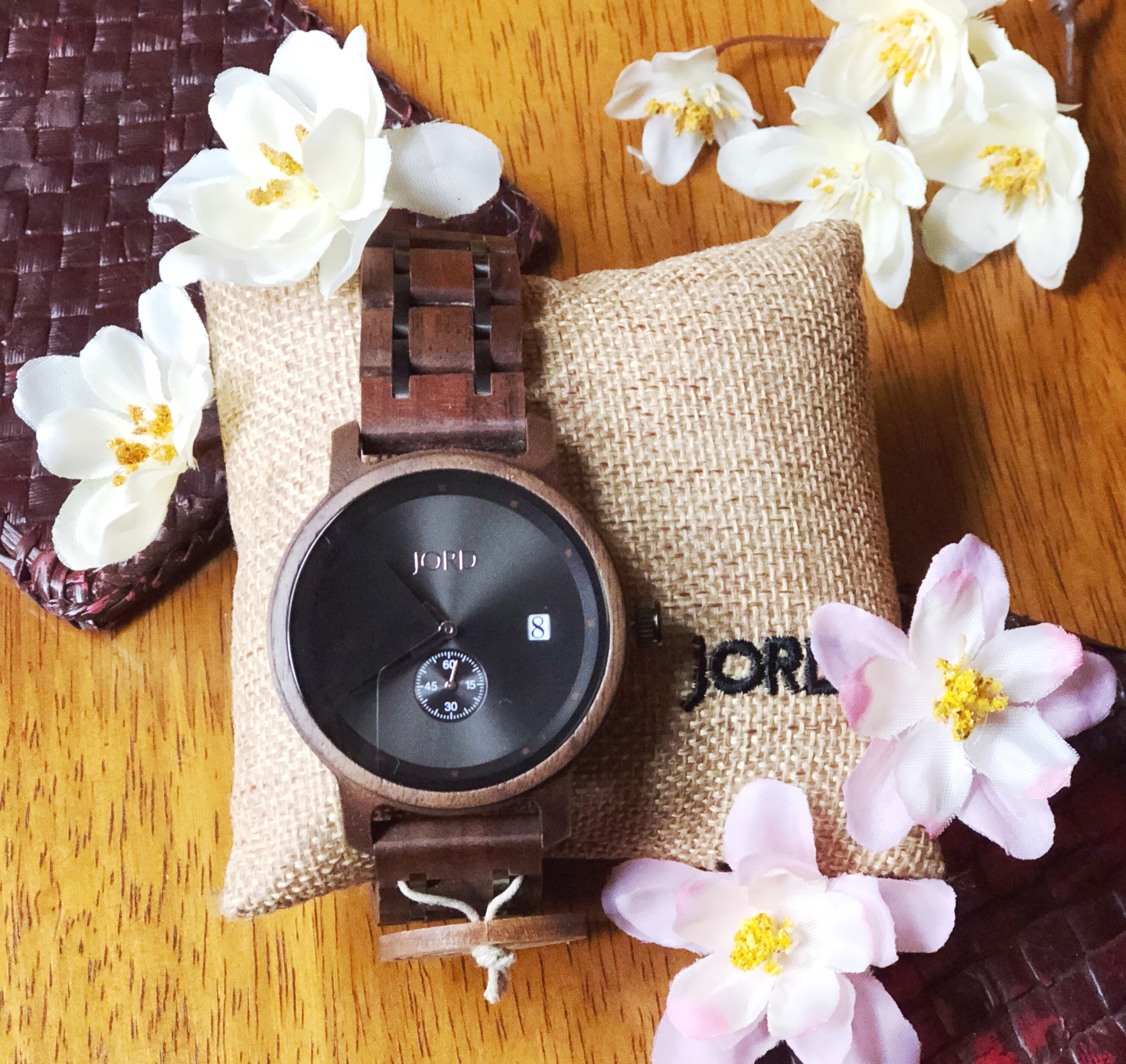 GIFTING A UNIQUE WOODEN WATCH FOR HIM/HER THIS SPRING | 2018
